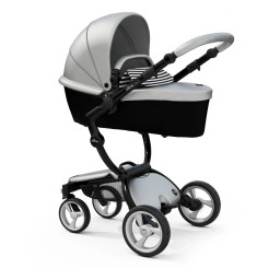 black-chassis-carrycot